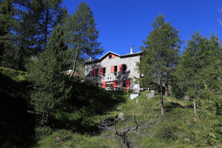 Rif. Bosio Galli 2086m
