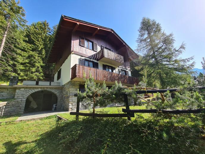 Villa Schenatti Anna Trilocale Chiareggio