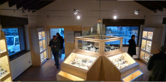 Apertura del museo mineralogico