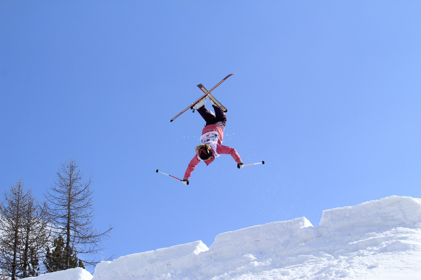 Freestyle skiing at the Palù park in Valmalenco