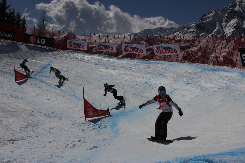 Gara di snowboardcross presso Palù Park in Valmalenco