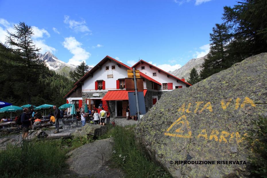 2. Rifugio Bosio - Alpe Ventina