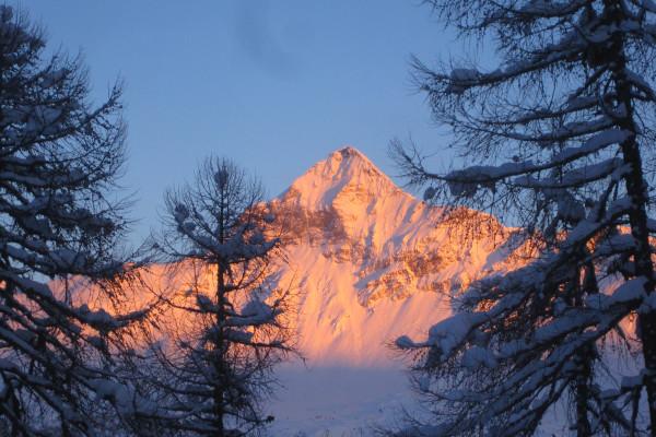 Esterno suite 2 cuori in pista - ski area Valmalenco